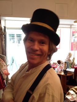 Mister Andrew Wood the Artist