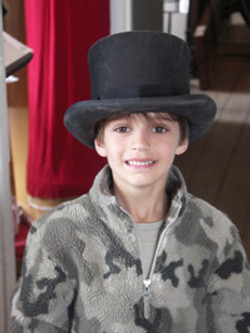 Big Lad, Big Hat