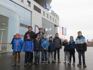 Ausflug der (ehemaligen) U9-Junioren zum Eishockeyspiel
