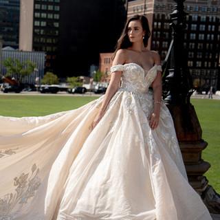 La Maison Couture - Avery