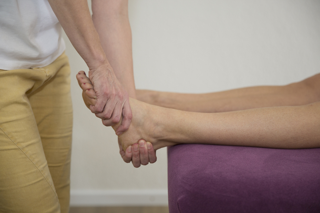 mock-rolfing-left-foot