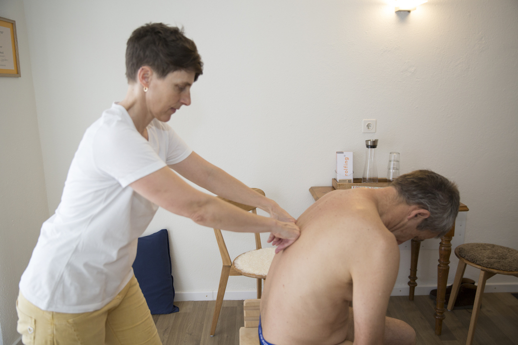 mock-rolfing-seated-curve
