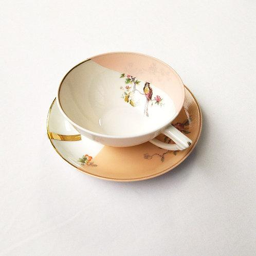 Tasse à thé en porcelaine fine au motif fleuri