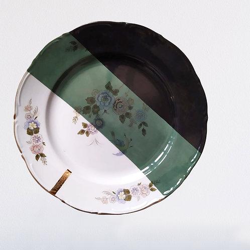 Gand plat rond en porcelaine ancienne