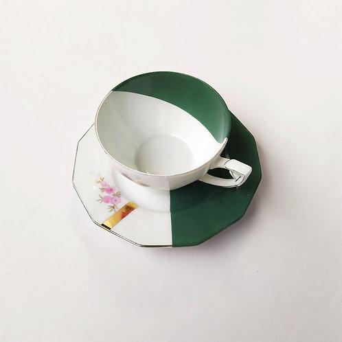 Tasse à thé vintage en porcelaine fine au look retro