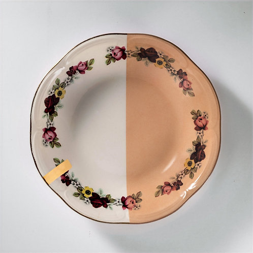 Assiette creuse couleur nude