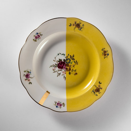 Assiette creuse au décor fleurie