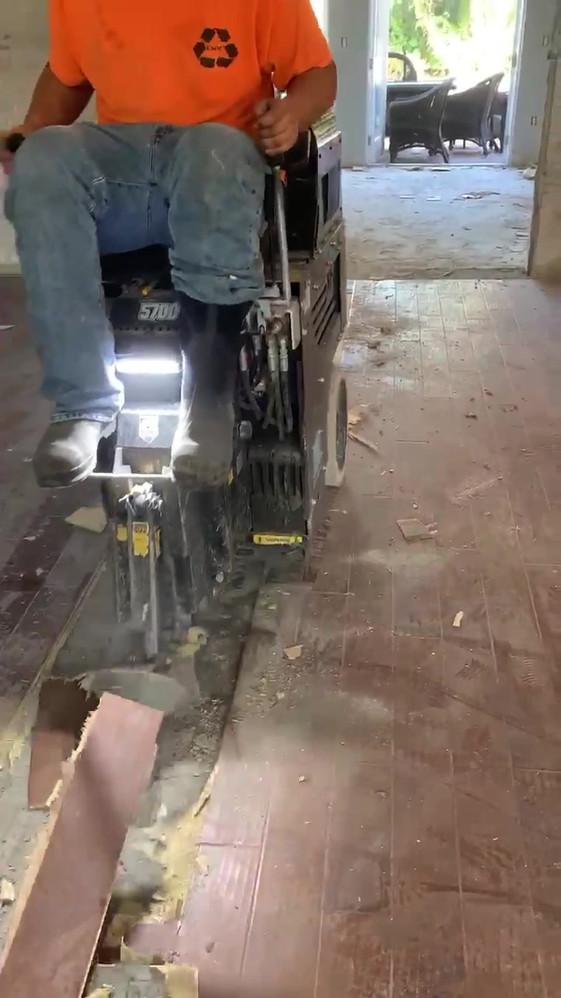 Riding Floor Machine