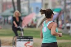Praticar exercícios físicos pode ajudar no tratamento da fibromialgia