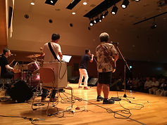 ホールでライブ楽器レンタル