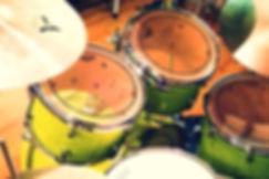 2台のドラムセットで沢山叩けます