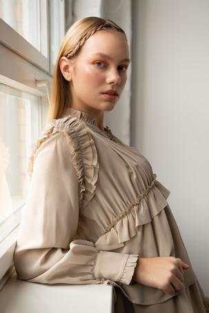 Photographie : Caroline Miller  Mua:  Isabel Maria Simoneth  Label:  Sly0010  Hair: Mica Frisch
