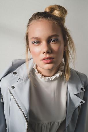 Photographie:  Caroline Miller  Mua:  Isabel Maria Simoneth  Label:  Sly0010  Hair:Mica Frisch