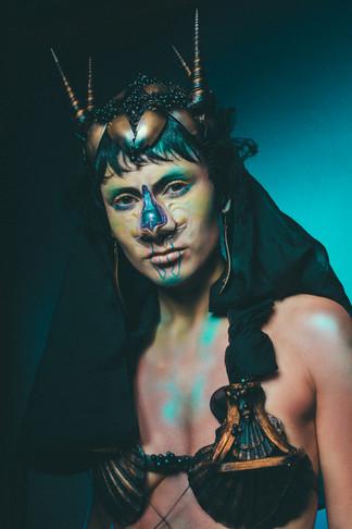 Hair/Makeup/Sculpure & Silicon prosthetik/Costum & Headdress: Mica Frisch   Photographie:             Maren Michaelis