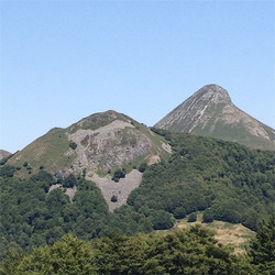 Puy Lusclade et Puy Griou-resized_edited.JPG
