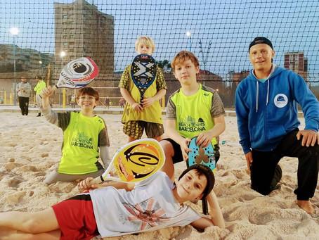 Esta temporada hemos arrancado la sección juvenil de la escuela de tenis playa de Barcelona
