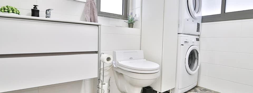 מקלחת ושירותי