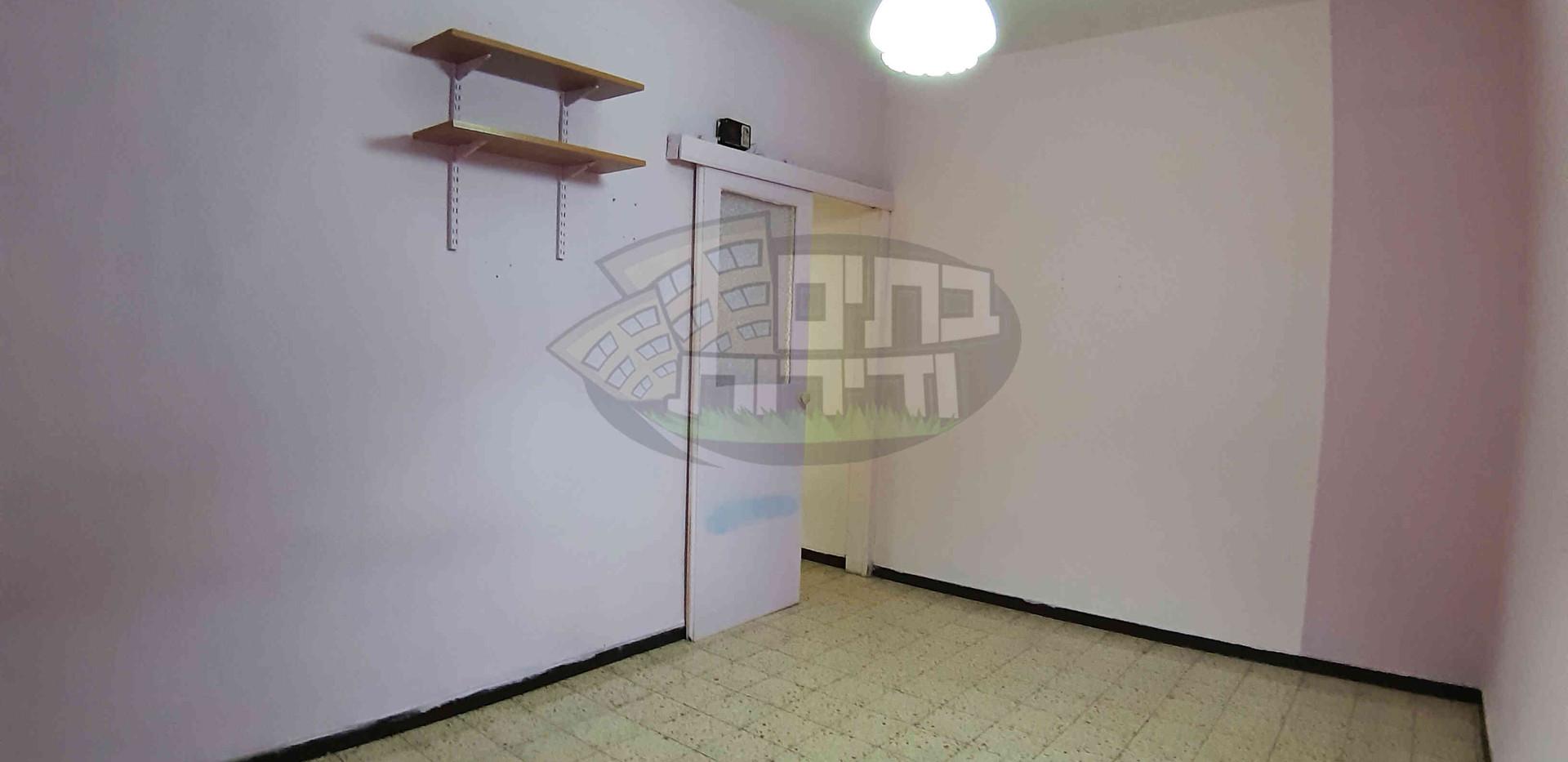 להשכרה 3 חדרים (5).jpg