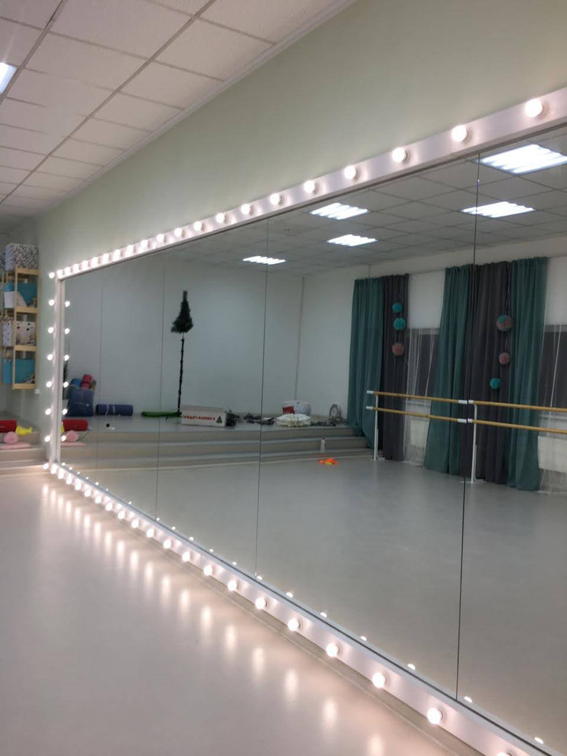 Рамка с подсветкой для зеркала