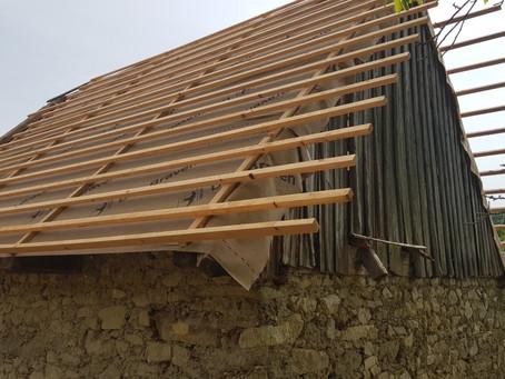 Střechy pokračují