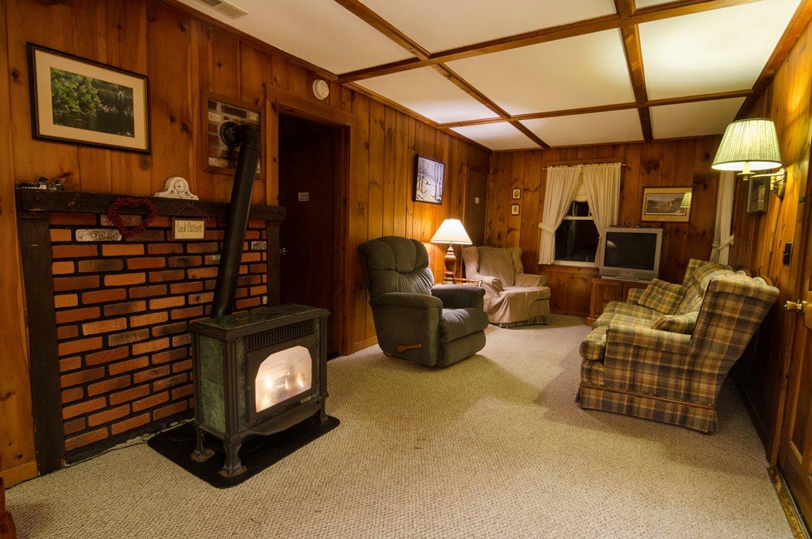 3 living room 2.jpg