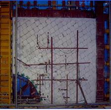 Large-scale 2D loading frame