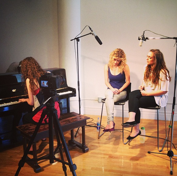 "filming ""hot off the ivories"""