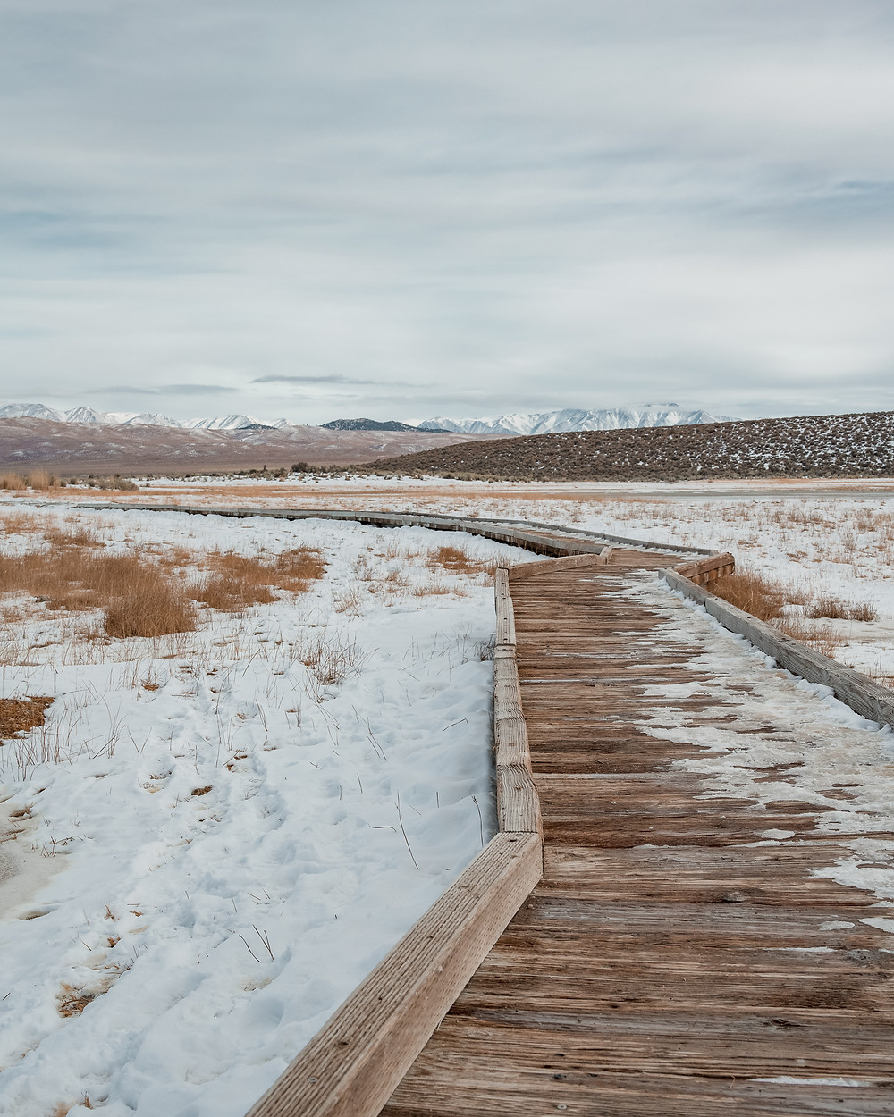 Walking Trail to Wild Willys Hot Springs in Mammoth Lakes