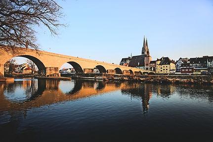 regensburg-2112927_1920.jpg