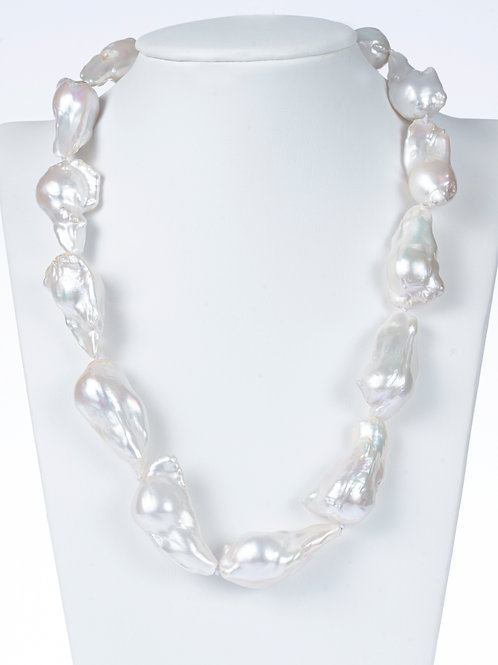 "18"" White Baroque Pearl Statement Necklace"