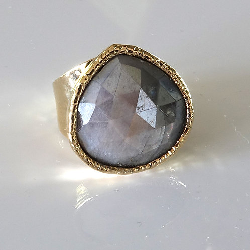 Iolite Faceted Gold Ring