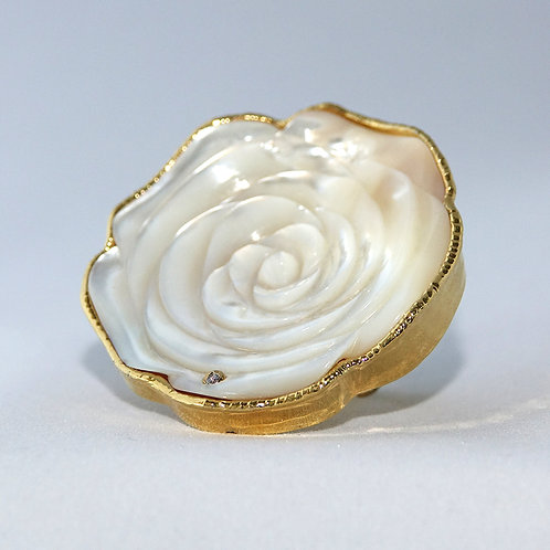 Rose Mother of Pearl Gold Ring Large