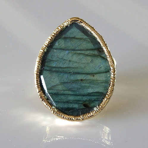 Green Labradorite Gold Ring