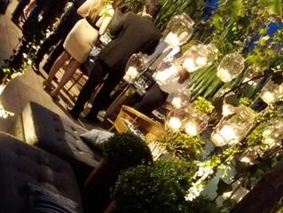 Mini wedding é opção econômica e elegante.