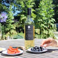 Une bouteille de Blanc de kiwi bio LE PETIT ALCOOLIER