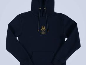 Un hoodie de la marque RELICS