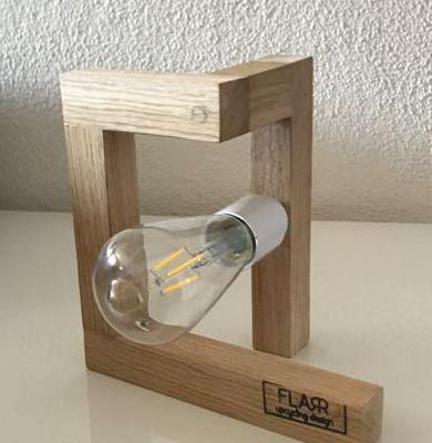 Une lampe branchée et upcyclée FLARR