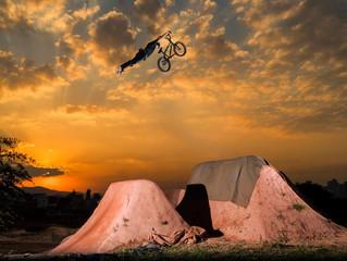 Exposição no Sesc Belenzinho celebra BMX e novos esportes olímpicos