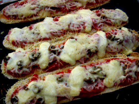 Demi Baguette Pizza