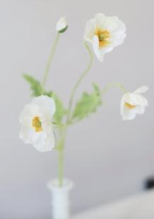 Faux Poppy Flowers in White
