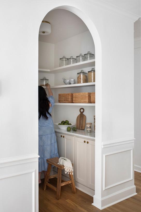 16_Samantha_Stein_Interiors_Beech_Tree_Ln_Kitchen_Web_Res.jpg
