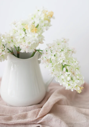Artificial Lilac Flowers in Cream Blush