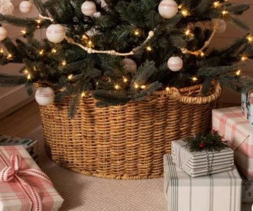 Holiday Tree Basket with Handles