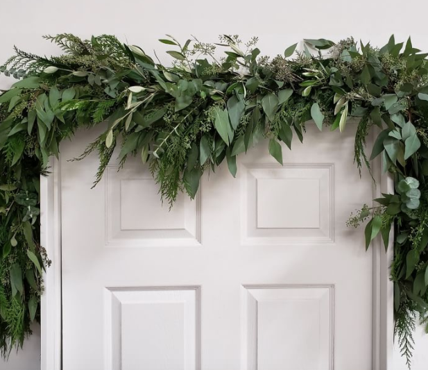 Fresh Cedar, Eucalyptus, & Olive Holiday Garland, 6'