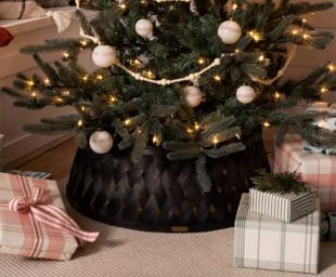 Woven Wood Holiday Tree Collar