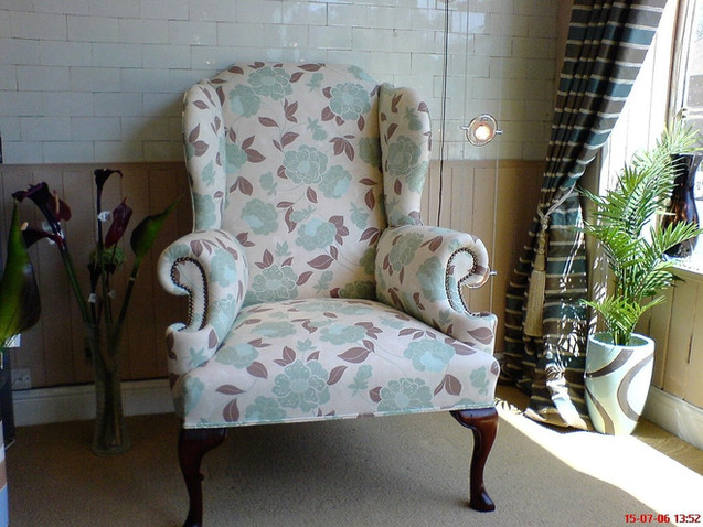 Queen Anne Classic Wing Chair