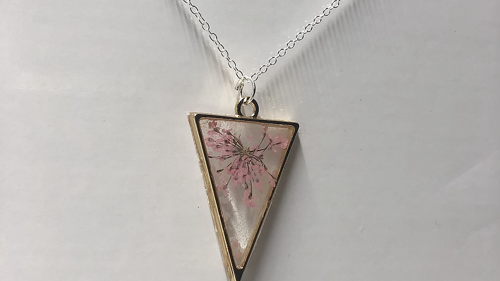 Delicate Pink Flower Triangle Frame Necklace🌸