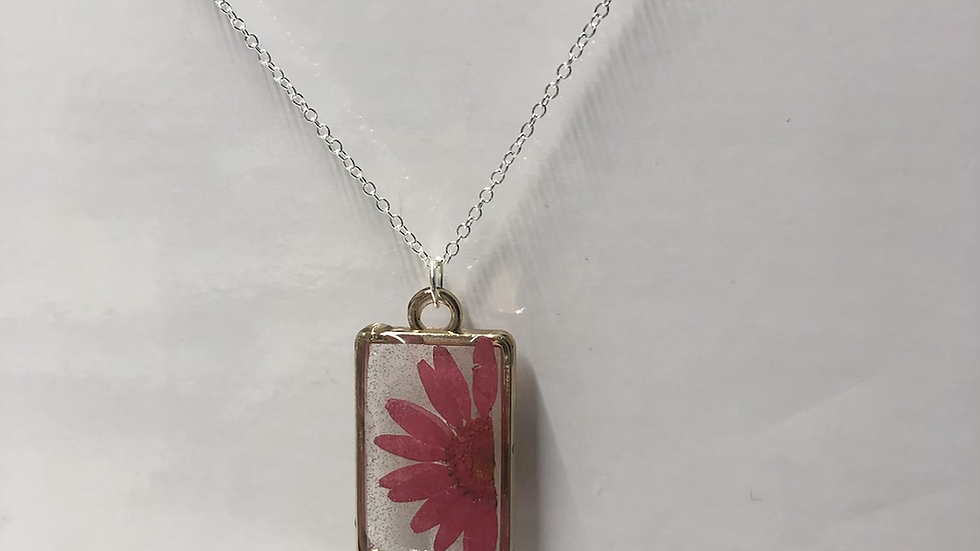 Red Daisy Rectangle Frame Necklace❤️