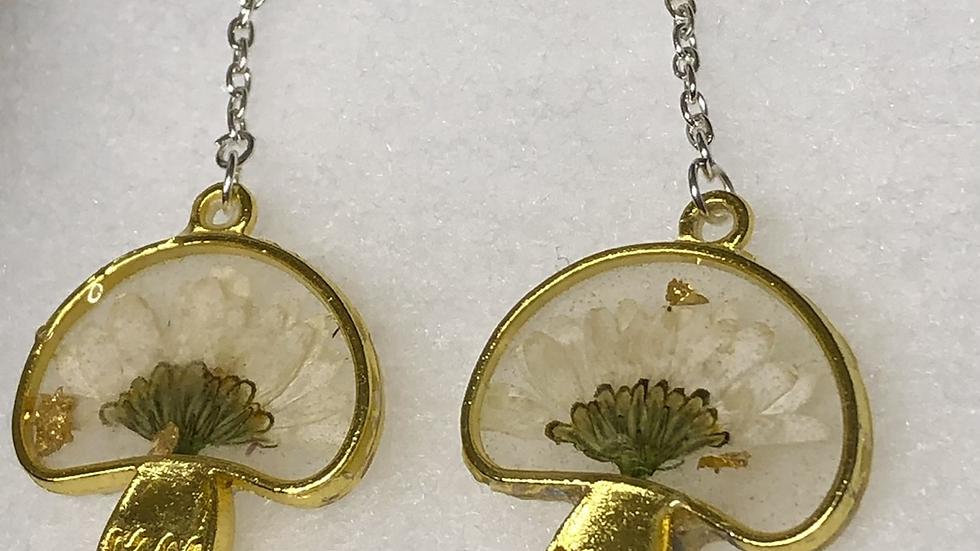 Daisy Mushroom Earrings 🍄🌼