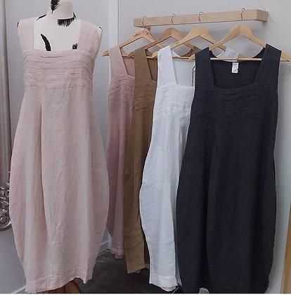 Stunning Elastic linen dress